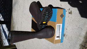 "Brand new Muck ""Cool Chore"" boots mens 10"