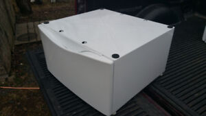 1 Washer/dryer pedestal - universal size fits all $60