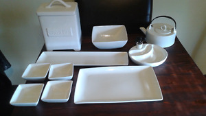 Ten piece dish set