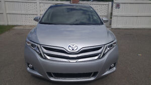 2013 Toyota Venza AWD ! Low KM ! Panoramic Sunroof ! Leather