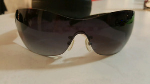 f23646d8c0 Used sunglasses from  5