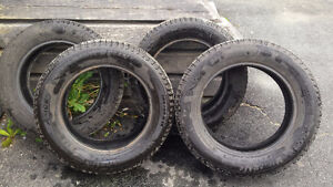 4 15'' Michelin X-Ice Xi3 tires - Used one winter