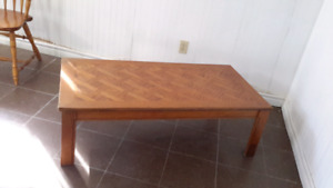 COFFEE table   22.--  / make an offer ..