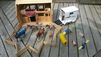 Breyer Barn/Stable, Horses, Trailer, Dog Agility and Accessories