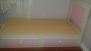 Twin Bed - For girls - Make An Offer