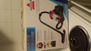 Bissell poweforce vac cleaner in box new