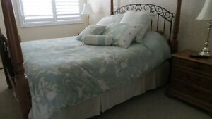 BEAUTIFUL COMPLETE QUEEN SIZED BEDDING SET