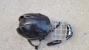 Reebok FM5K Boys Helmet Sz Med Kingston Kingston Area image 4
