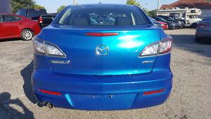 2012 Mazda Mazda3 GS-SKY Sedan - HEATED SEATS! BLUETOOTH! Kitchener / Waterloo Kitchener Area image 4