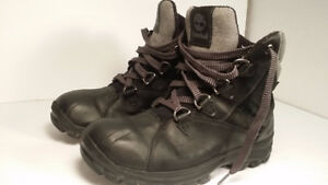 TIMBERLAND - botte hiver - homme taille 8 - VALEUR 200$