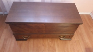 Cedar lined hope chest with pull out drawer