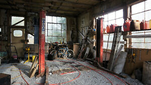 Fully equipped workshop/garage for independent mechanic