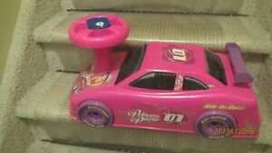 Barbie Pink Riding Car for Toddler---Sounds and Lights Kingston Kingston Area image 4