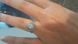Independent jewellers diamond ring size 5 but can be sized