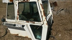 Case 2290 Tractor - disassembled for Parts