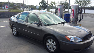 2006 Ford Taurus Sedan low km!