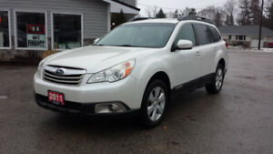 2011 Subaru Outback Limited Pearl White! Leather! $10,295
