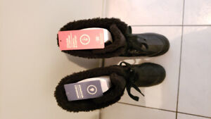 Women's winter boots - black size 8 - great condition