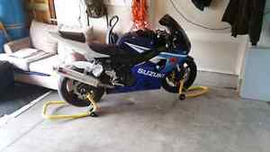 2005 suzuki gsxr 600 (blue&white) 26123km Cambridge Kitchener Area image 1