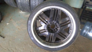 22s.  10 bolt rim patteren fits all