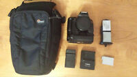 Canon T2i (Body Only) with Battery Grip +3 batteries, 2 chargers