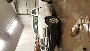 2000 Chevrolet Silverado 1500 SL Pickup Truck