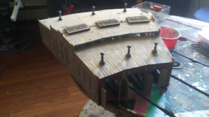 HO scale roundhouse building