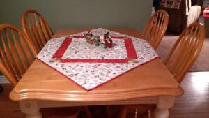Kitchen or Dining Room Table and Chairs Kitchener / Waterloo Kitchener Area image 1