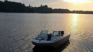 Boat Bateau open deck with trailer 40hp Johnson