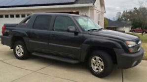 2003 Chevy Avalanche Truck SAFETIED w/ new brakes