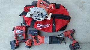 Milwaukee Power Tool w/ spare batteries V28 and M28