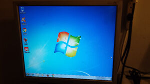 """Used Samsung 19"""" LCD Computer Monitor for Sale Cambridge Kitchener Area image 1"""