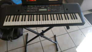Piano-Yamaha PERE253 with stand