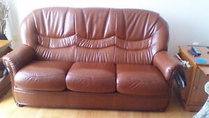 Faite une offre. Divan/chaise en cuir bufflo/ Leather sofa/chair Gatineau Ottawa / Gatineau Area image 1