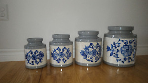 Set of 4 Kitchen Ceramic Containers