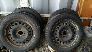 215/60 R17 Snow Tire Jeep Compass Kingston Kingston Area image 1