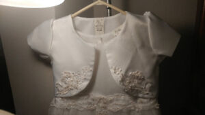Communion dress size 6. Includes jacket and headpiece.