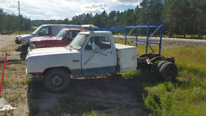 '89 Dodge 1ton cab and chassis.
