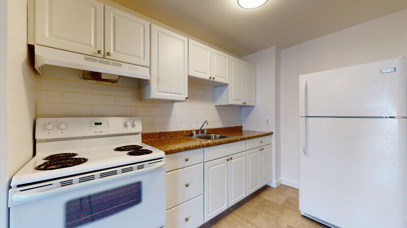 UPDATED 2 BED / 1 BATH APARTMENT IN CENTRAL LOCATION ...