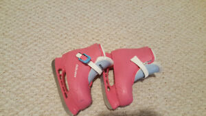 Girls Bauer pink skates sz 10 to 11 easy close open