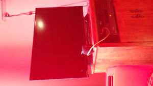 40 in tv 280 bucks its a sony. Very good condition...