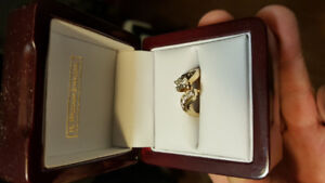 Beautiful 14kt yellow gold engagement ring
