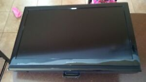 32 inch Dynex TV with wall mount