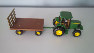 "8""  Die Cast John Deere Tractor Cab with Hay Wagon Toy"
