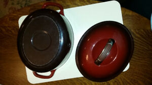 KitchenAid cast iron dutch oven casserole 3 qt EUC
