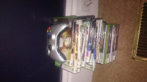Xbox slim,  3 controllers,  20 games, kinect and dj hero London Ontario image 2