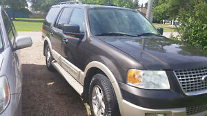 Well maintained 2005 Ford Expedition Eddie Bauer SUV, Crossover