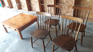 Coffee table old chairs