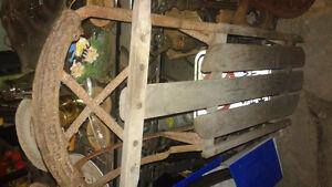 antique wooden sleigh Belleville Belleville Area image 3
