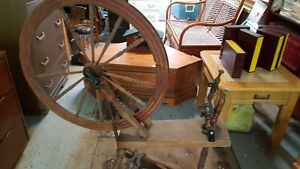 Antique spinning wheel West Island Greater Montréal image 2